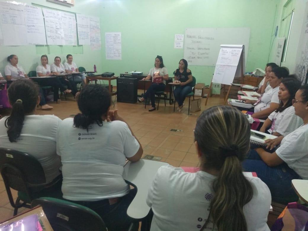 Treinamento de mulheres produtoras de chocolate em Rondônia