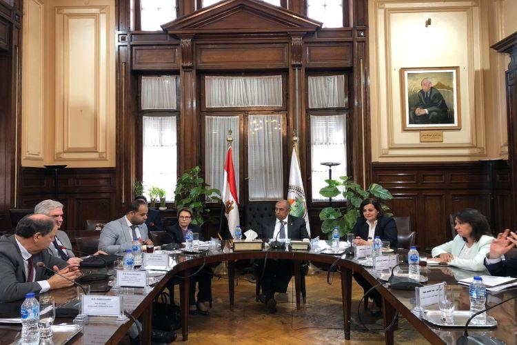 ministra e reunião com ministro da Agricultura do Egito