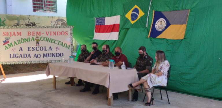 Conselheiro Moisés Queiroz Moreira visita o Projeto Amazônia Conectada