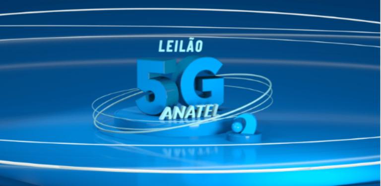 Imagem em azul com os dizeres Leilão 5G Anatel com o logo da Agência abaixo à direita