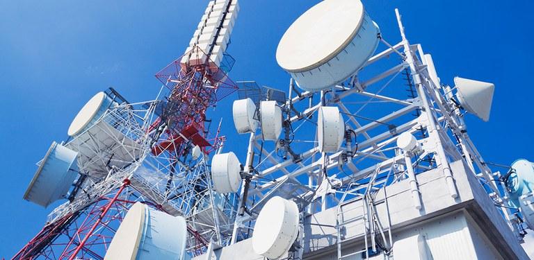 Torres e antenas de telecomunicações