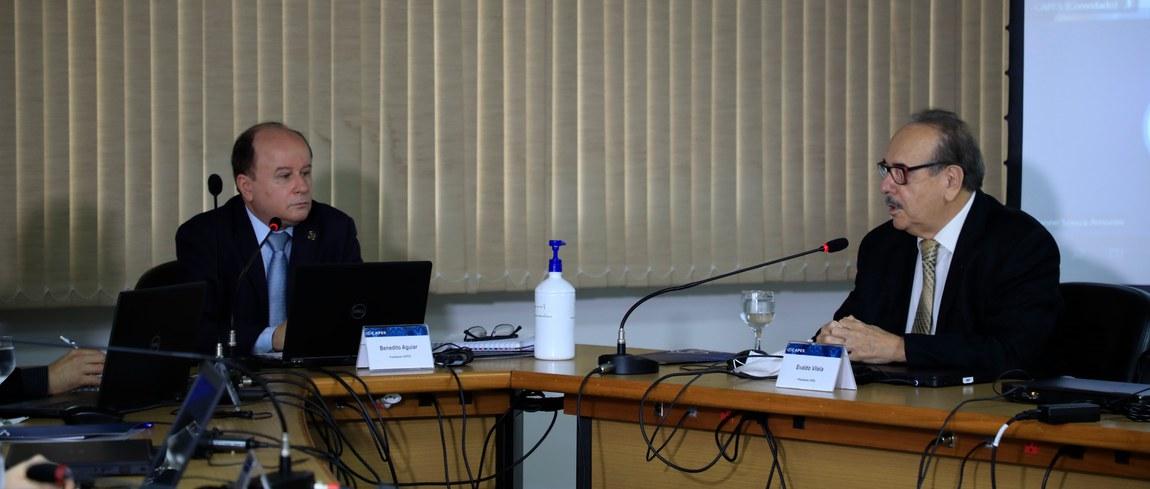 Conectividade é tema de reunião entre CAPES e CNPq