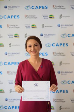 Beatriz Schmidt, doutora pela Universidade Federal do Rio Grande do Sul (UFRGS), recebeu o Prêmio CAPES de Tese na área de Psicologia em 2019 (Foto: Naiara Demarco - CCS/CAPES)