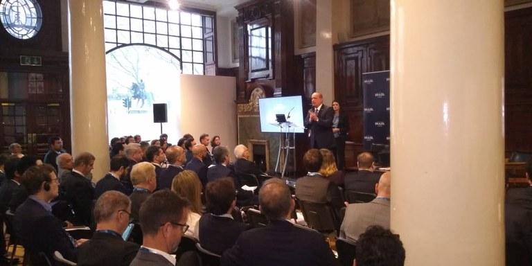 Ministro Onyx apresenta carteira do PPI a investidores britânicos