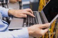 A Lei promove o direito ao acesso à informação conforme estabelecido na Constituição Federal Brasileira de 1988