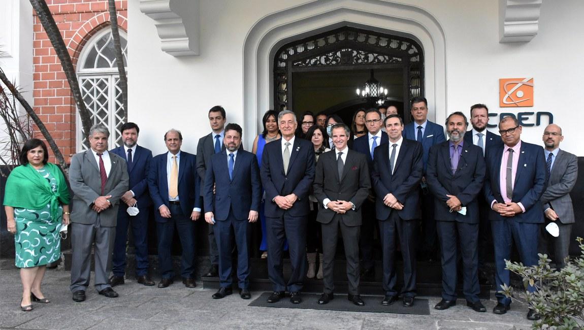 Em programação oficial no Brasil, diretor-geral da AIEA visita MCTI e unidades da CNEN