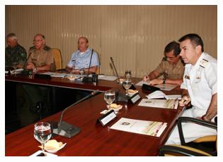 30/11/2012 - Reunião em SP trata da participação de militares na segurança de grandes eventos