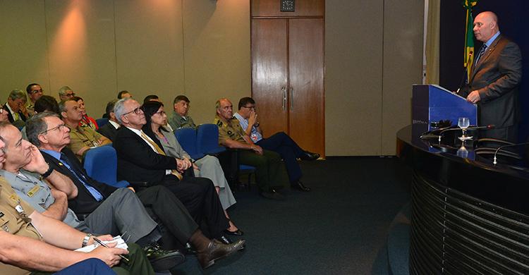 Plateia acompanhou com atenção a palestra