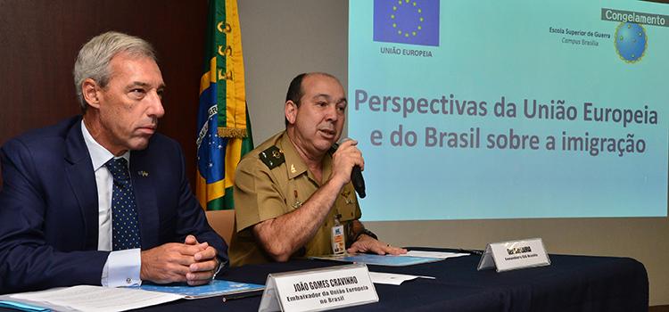 O evento iniciou com oo embaixador da União Europeia no Brasil, João Gomes Cravinho eo comandantedo campusBrasília, general Wilson Lauria