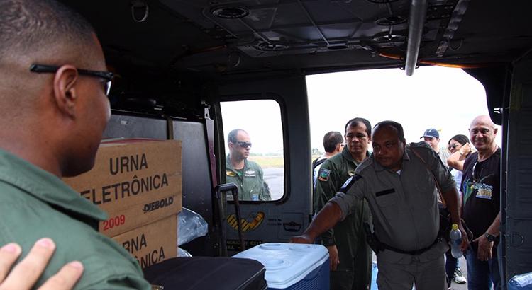 Forças Armadas auxiliam na entrega de urnas eleitorais