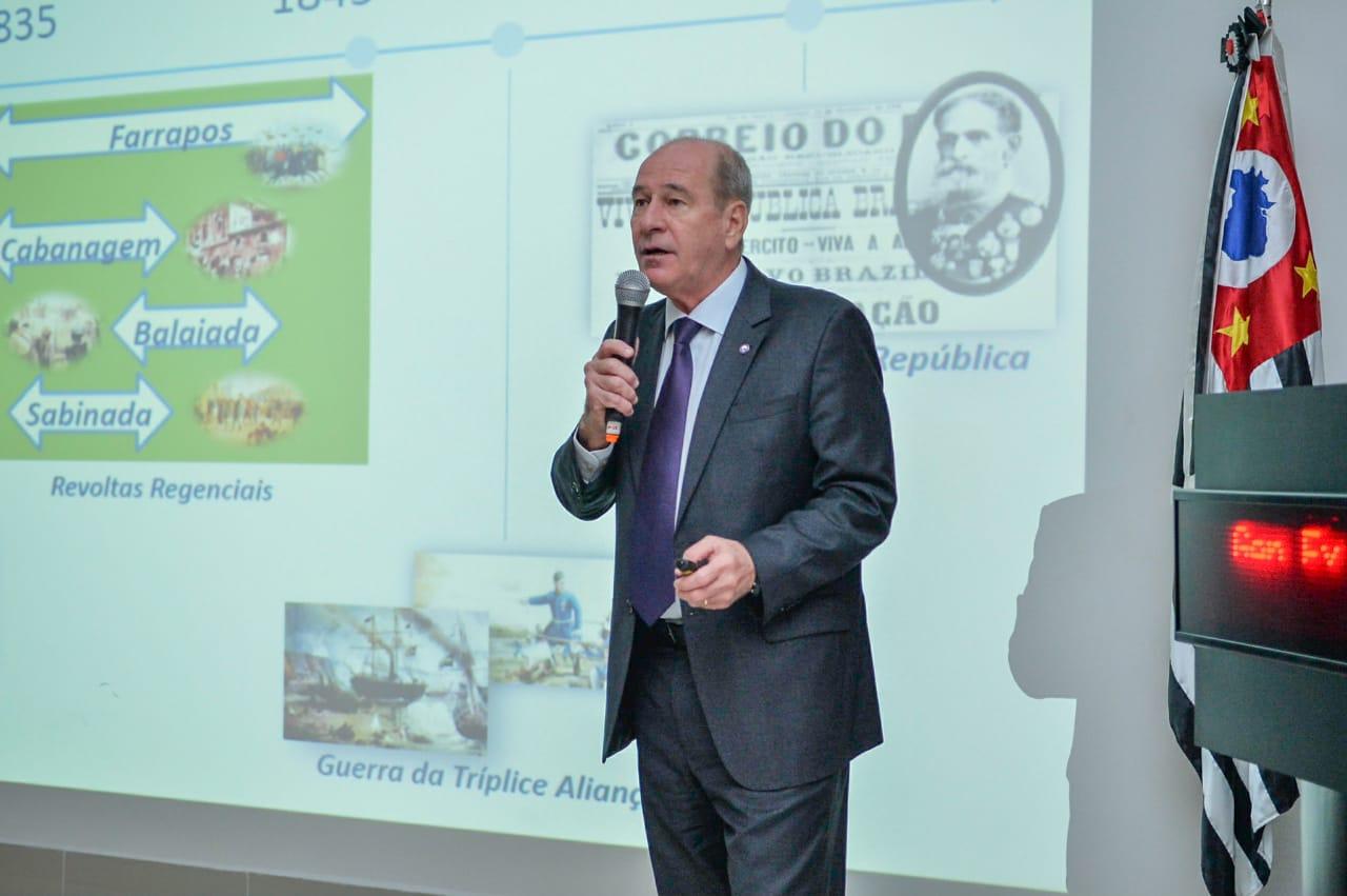 Fernando Azevedo destacou os projetos estratégicos das Forças Armadas