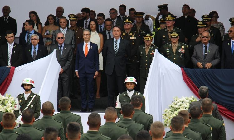 Pela primeira vez, um presidente da República prestigia asolenidade de formatura de Sargentos Combatentes, na ESA