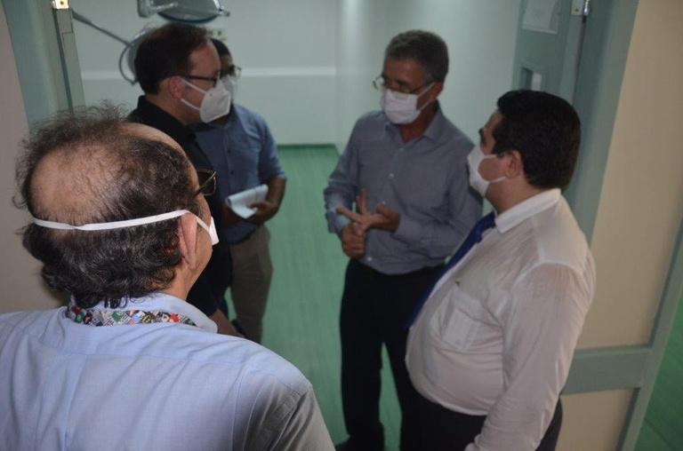 Visita do presidente da Rede Ebserh ao HUGV (12).jpg