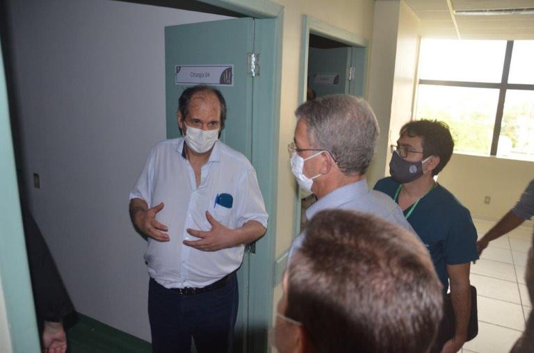 Visita do presidente da Rede Ebserh ao HUGV (8).jpg