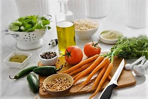 Atividades físicas regulares, alimentação saudável e acompanhamento multiprofissional (médicos, nutricionistas, profissionais de educação física e outros) auxiliam no controle do colesterol Foto: Blog da Saúde - Ministério da Saúde