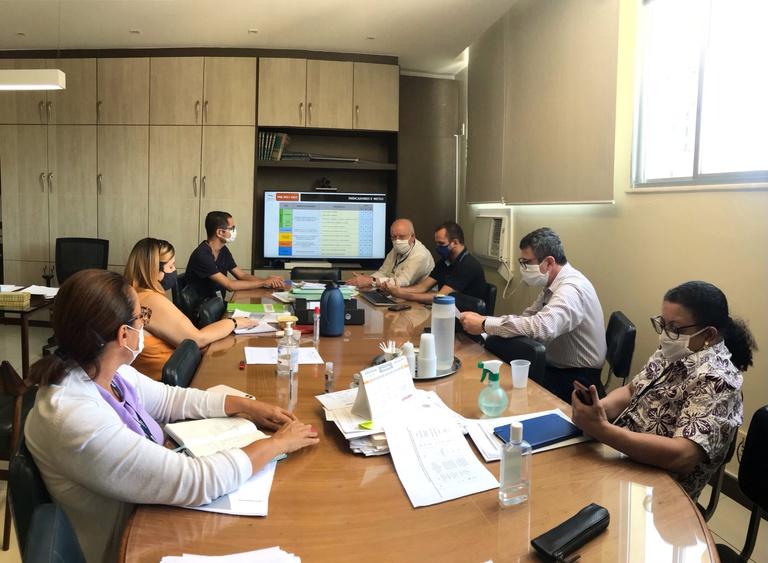 Superintendente, Gerentes e Unidade de Planejamento debatem sobre PDE antes de envio do documento à Ebserh