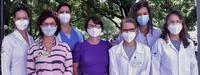 Da esquerda para direita estão as médicas Rubia Miossi, Tania Reuter, Fabiola Assad Antunes, a farmacêutica Karina Uggere Campelo, a médica Claudia Biasutti, a enfermeira Teresa Gomes e a farmacêutica Camila Ferri.