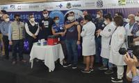 Prefeito de Viana, Wanderson Bueno, é o primeiro voluntário a receber a dose para o projeto Viana Vacinada