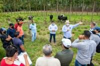 Agricultores Indígenas visitam Grupo Associados de Agricultura Sustentável (GAAS) - Mineiros (GO)