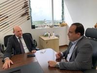 Presidente Marcelo Xavier em reunião com o deputado federal Neri Geller. Foto: Débora Schuch/Funai