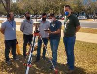 Evandro Biesdorf [primeiro à direita] durante testes do GPS Geodésico RTK com equipe da CGGeo/Funai