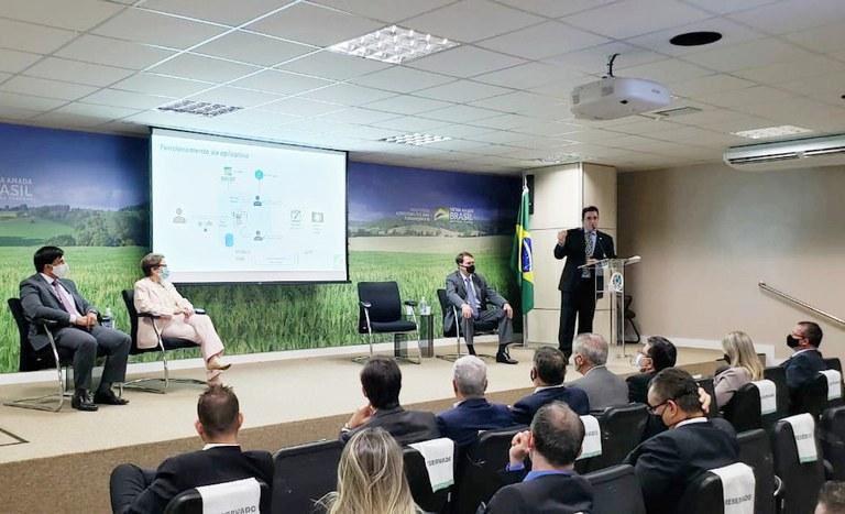 Lançamento do Programa Titula Brasil