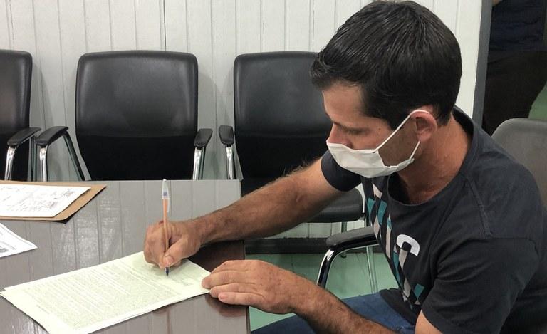 Incra em Rondônia entrega títulos remanescentes do programa de regularização fundiária Terra Legal