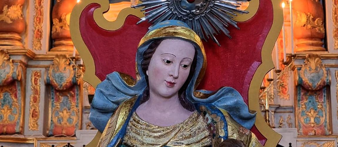 As imagens de Santo Amaro, Santana Mestra e Santo Antônio, que passaram por intervenções restaurativas, foram devolvidas à comunidade