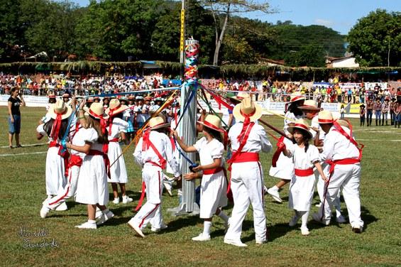 Grupo de Contradança_Festa do Divino de Pirenópolis