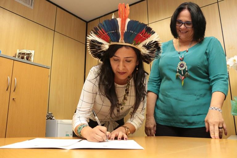 Jornalista Sandra Terena é a primeira indígena a ocupar Secretaria no Governo Federal