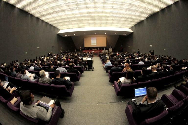 Durante congresso internacional, ministra Damares Alves defende a liberdade para todas as crenças