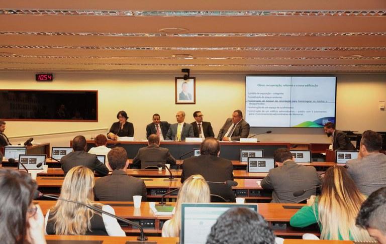 Em audiência pública, ministra Damares Alves enfatiza o combate à corrupção no âmbito da Comissão