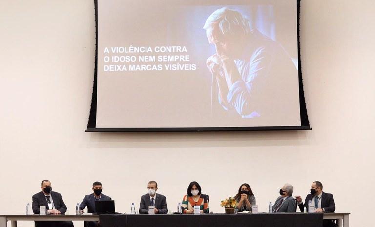 Operação Vetus atende a cerca de 14 mil idosos vítimas de violência no Brasil