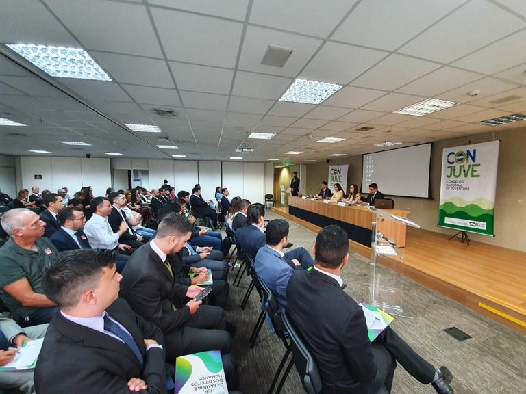 Ministério realiza ato de posse dos representantes do Conselho Nacional de Juventude