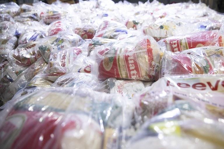 Ação promovida para a distribuição de 9 mil cestas de alimentos beneficiará indígenas do AM, AC e RR