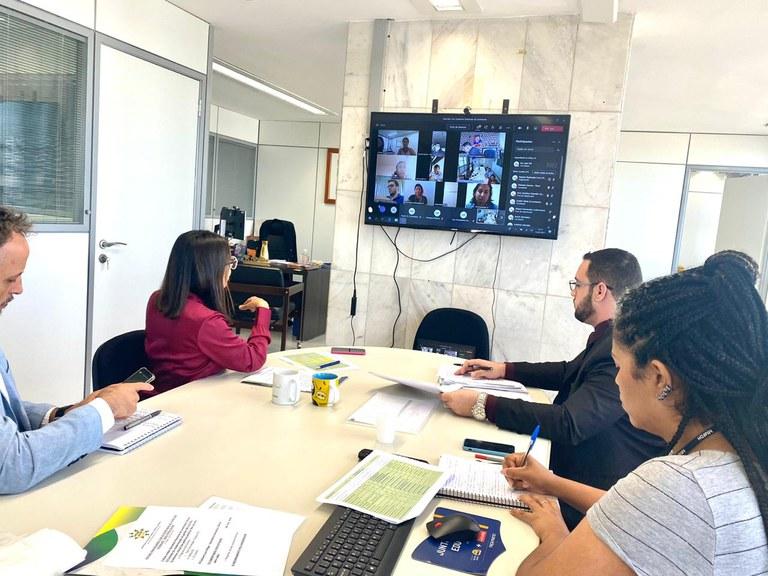 Reunião com gestores estaduais debate políticas públicas para a juventude