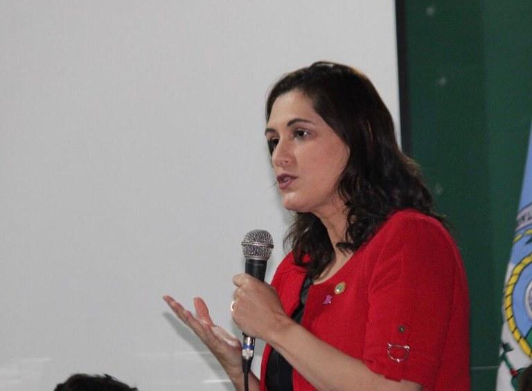 Mais 150 mulheres em vulnerabilidade iniciam cursos profissionalizantes no Rio de Janeiro
