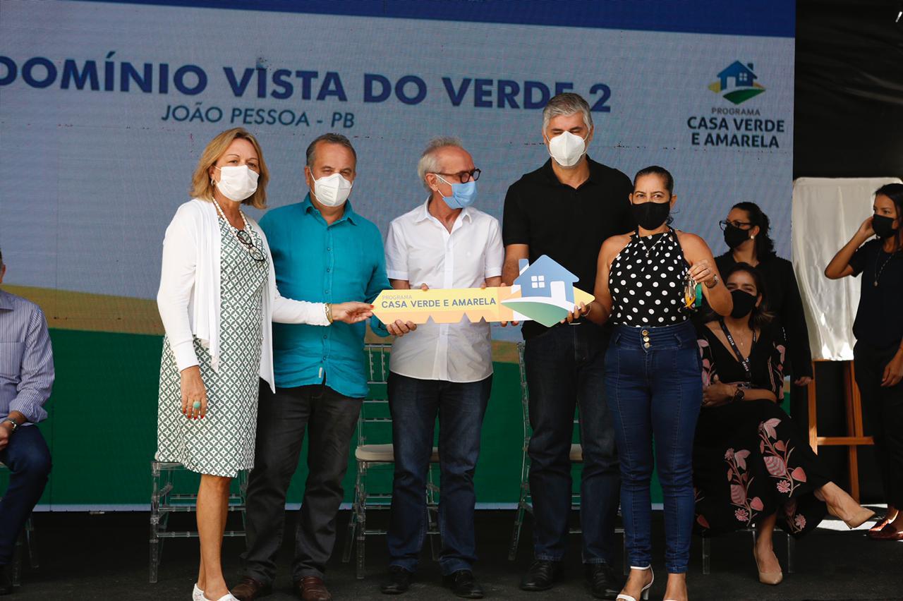 Moradias foram entregues aos beneficiários da segunda etapa do Condomínio Vista do Verde 2. Investimento federal nas obras foi de R$ 18,4 milhões