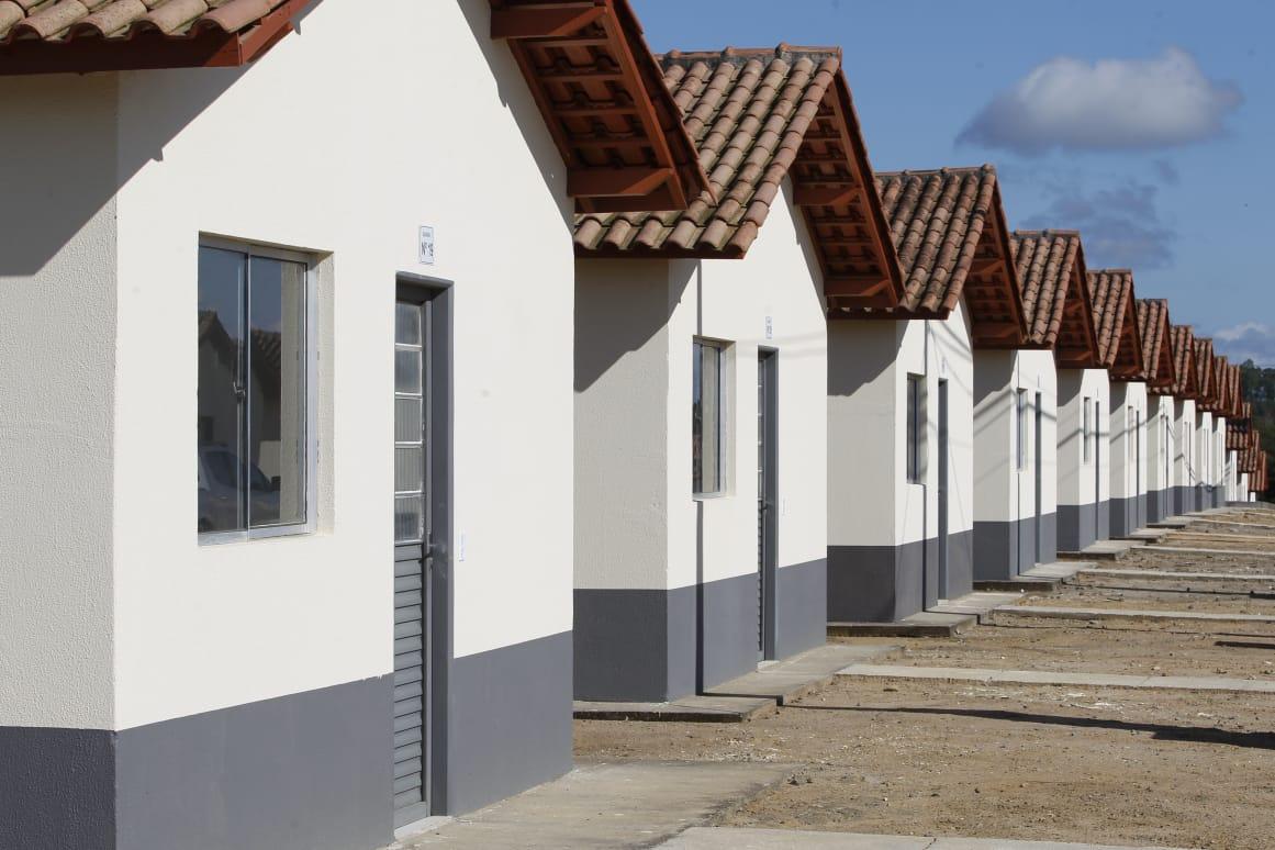 Entrega faz parte do programa Casa Verde e Amarela e beneficia cerca de 1,8 mil pessoas da cidade capixaba