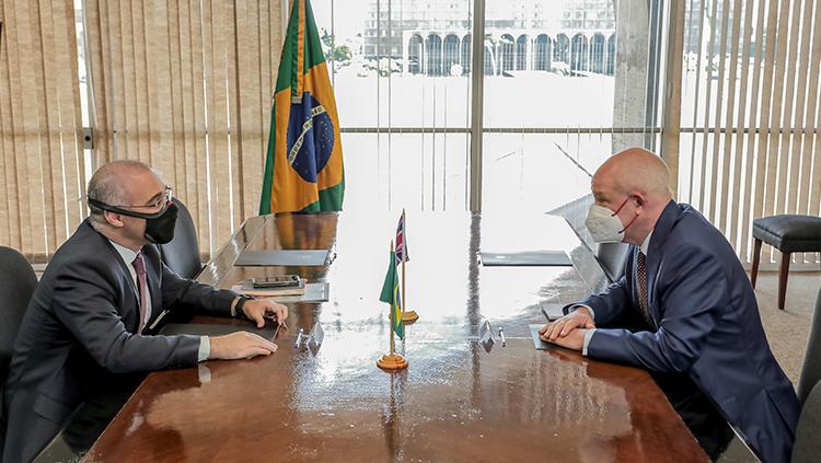 Ministro André Mendonça recebe Embaixadores do Reino Unido e da Turquia2.png