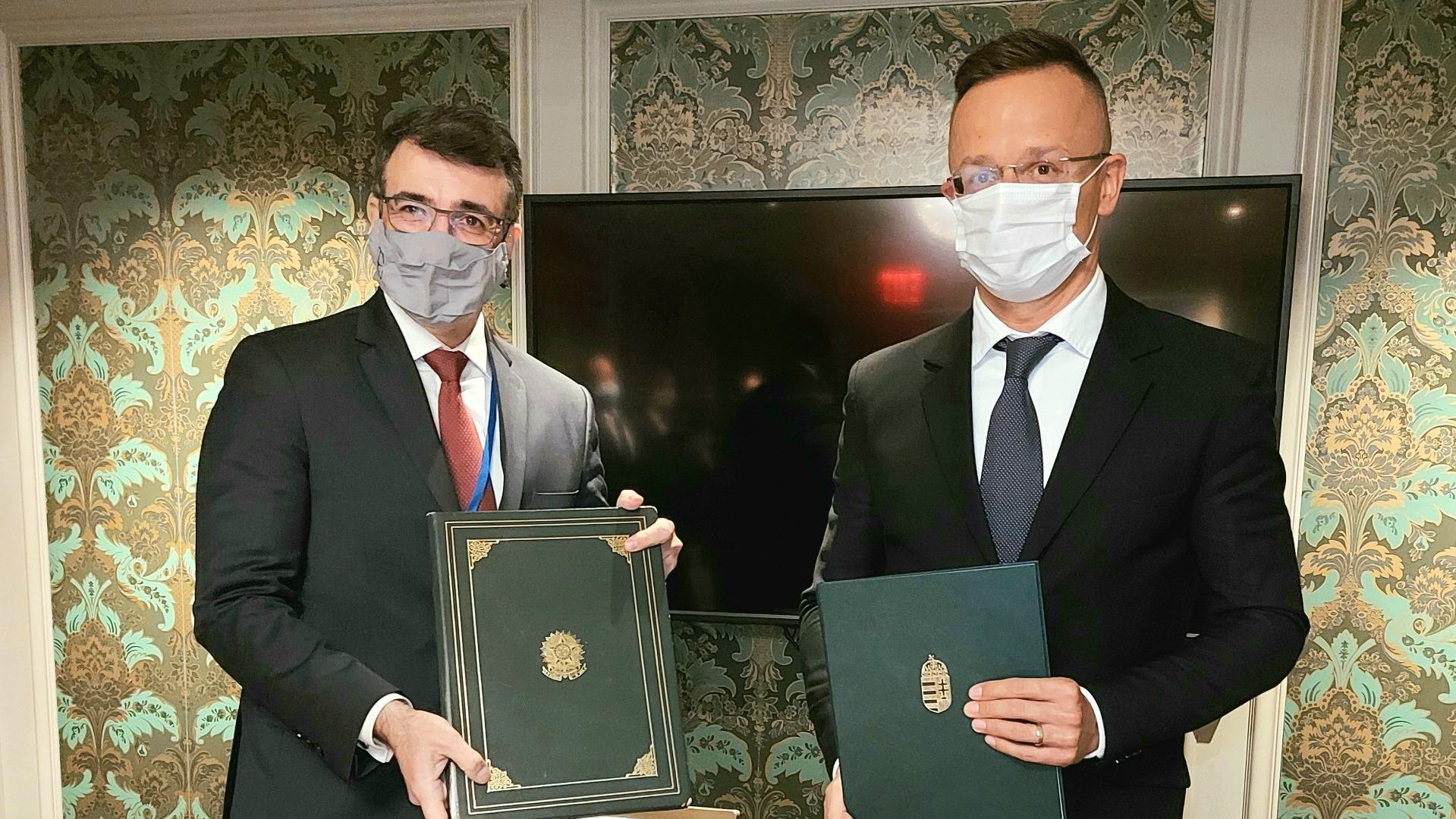 ME e chanceler Hungaro 2.jpg
