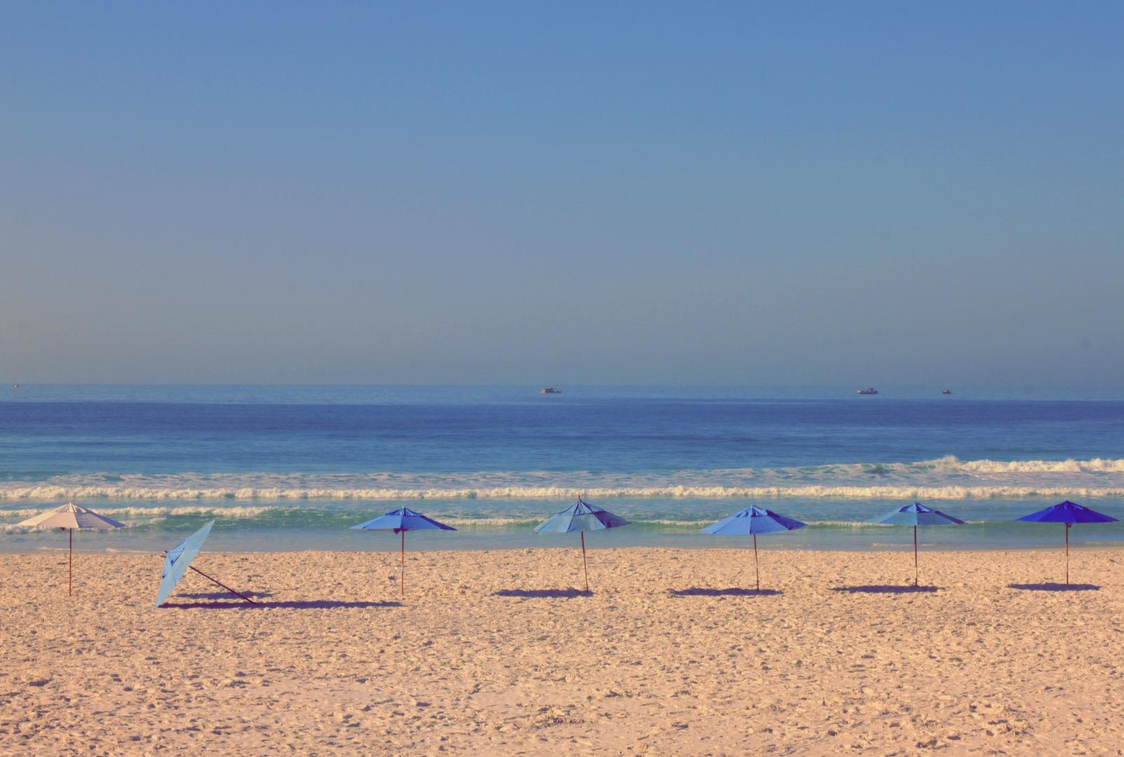 47 - Zelo pela sua praia.jpg