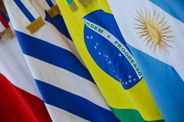 Governo fecha acordos internacionais