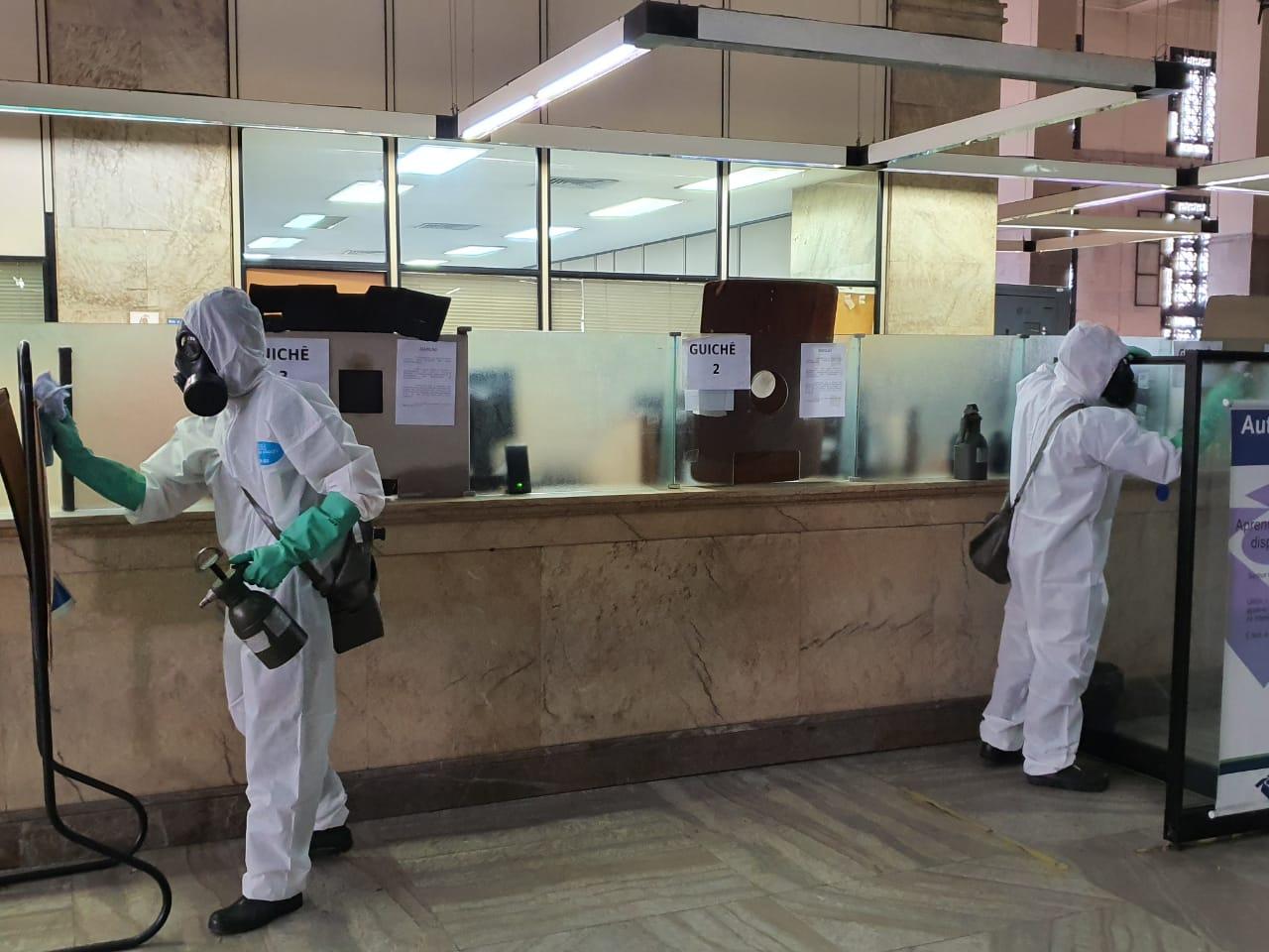 Militares e profissionais recebem capacitação para realizar desinfectação de locais públicos