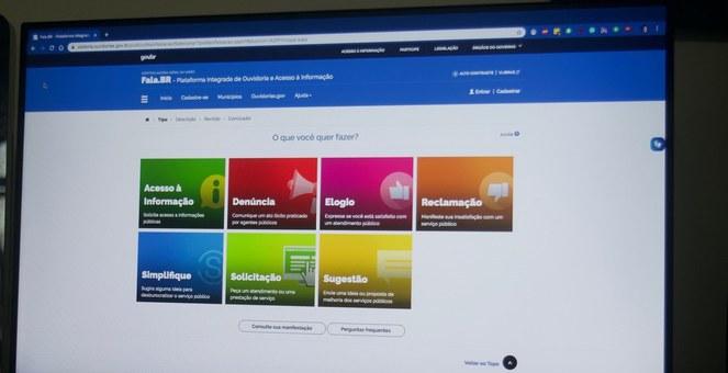 Plataforma reúne serviços de informações e ouvidoria