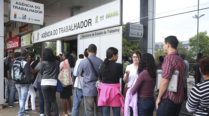 Desemprego recua para 11,2% e carteira assinada cresce no trimestre encerrado em janeiro de 2020