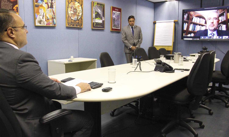 Durante abertura de seminário em plataforma virtual, Jorge Oliveira elogiou atuação da Comissão de Ética