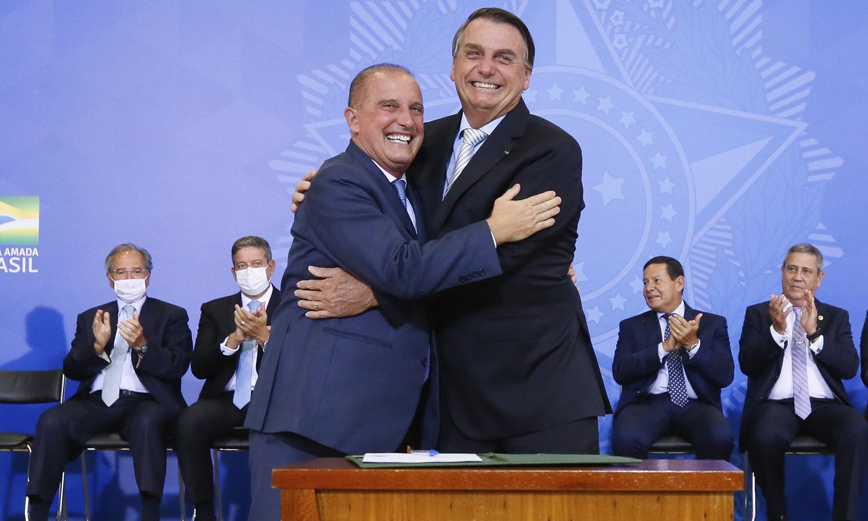Cerimônia realizada no Palácio do Planalto também contou com posse do novo ministro da Cidadania e sanção da lei que trata da autonomia do Banco Central