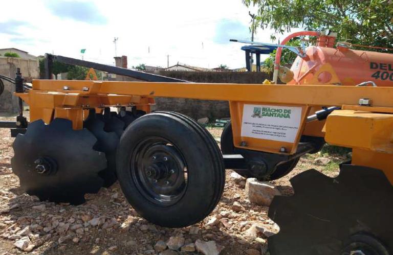 Sudene viabiliza máquinas agrícolas para municípios