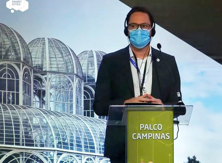 Evaldo Cruz Neto em evento sobre cidades inteligentes